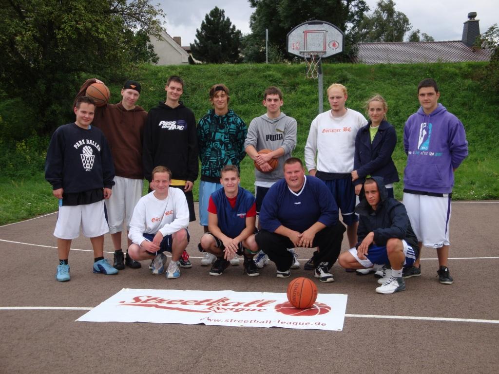 Weißenfels Spieler beim Streetball-League Turnier